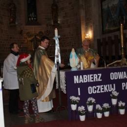 Parafia Kościoła Rzymsko Katolickiego pw. śś. Piotra i Pawła w Kruszwicy - Adwent, Roraty i wizyta św. Mikołaja