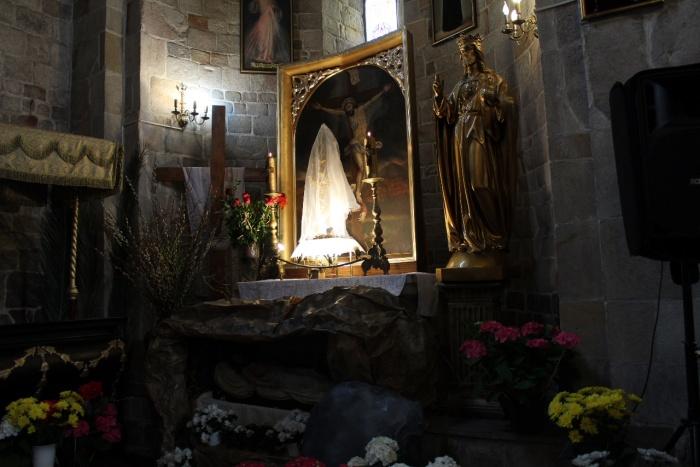 Parafia Kościoła Rzymsko Katolickiego pw. śś. Piotra i Pawła w Kruszwicy - Wielka Sobota - dzień czuwania przy Grobie Pańskim