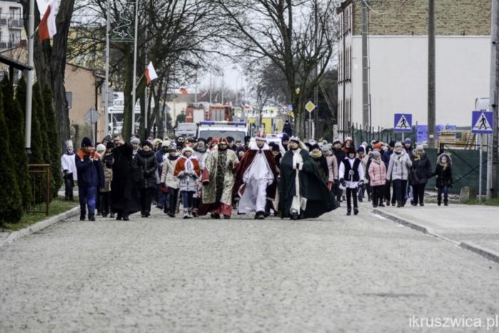 Parafia Kościoła Rzymsko Katolickiego pw. śś. Piotra i Pawła w Kruszwicy - Orszak Trzech Króli A.D. 2019