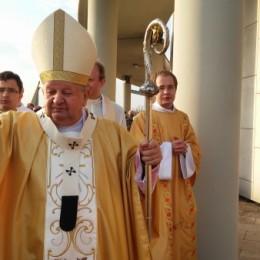 Parafia Kościoła Rzymsko Katolickiego pw. śś. Piotra i Pawła w Kruszwicy - Intronizacja Chrystusa na Króla i Pana