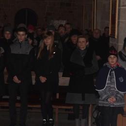 Parafia Kościoła Rzymsko Katolickiego pw. śś. Piotra i Pawła w Kruszwicy - Poświęcenie repliki sztandaru SP Nr 1