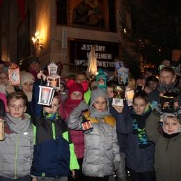 Parafia Kościoła Rzymsko Katolickiego pw. śś. Piotra i Pawła w Kruszwicy - Zakończenie rorat.